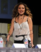 Маргарита Левиева, фото 48. Margarita Levieva 'Knights Of Badassdom' Panel at Comic-Con - July 23, 2011, foto 48