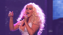 Maroon 5 & Christina AGUiLERA - Moves Like Jagger - AMAs 2011 Live 720p mkv