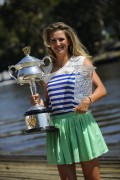 Виктория Азаренко, фото 224. Victoria Azarenka Posing with the Australian Open Trophy along the Yarra River in Melbourne - 29.01.2012, foto 224