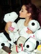 Ариана Гранде, фото 412. Ariana Grande Valentine Twitter party in Los Angeles - February 8, 2012, foto 412