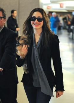Эмми Россам, фото 3326. Emmy Rossum Looks Great with Her Dog LAX 2/17/12, foto 3326