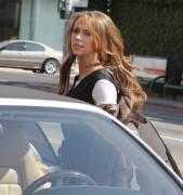 Дженнифер Лав Хьюит, фото 9054. Jennifer Love Hewitt - out shopping in Hollywood 03/01/12, foto 9054